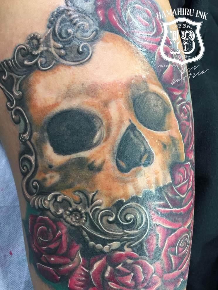 Skull & Roses Tattoo Hamahiru 13 Ink Tattoo & Piercing