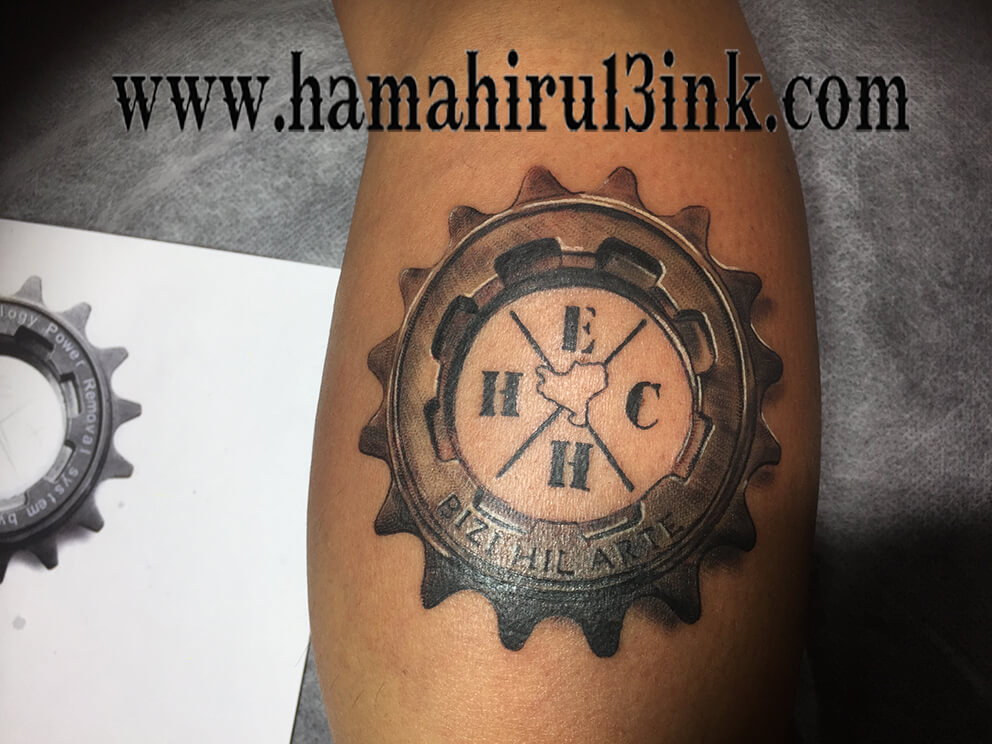 Tatuaje EH Hamahiru 13 Ink Tattoo & Piercing