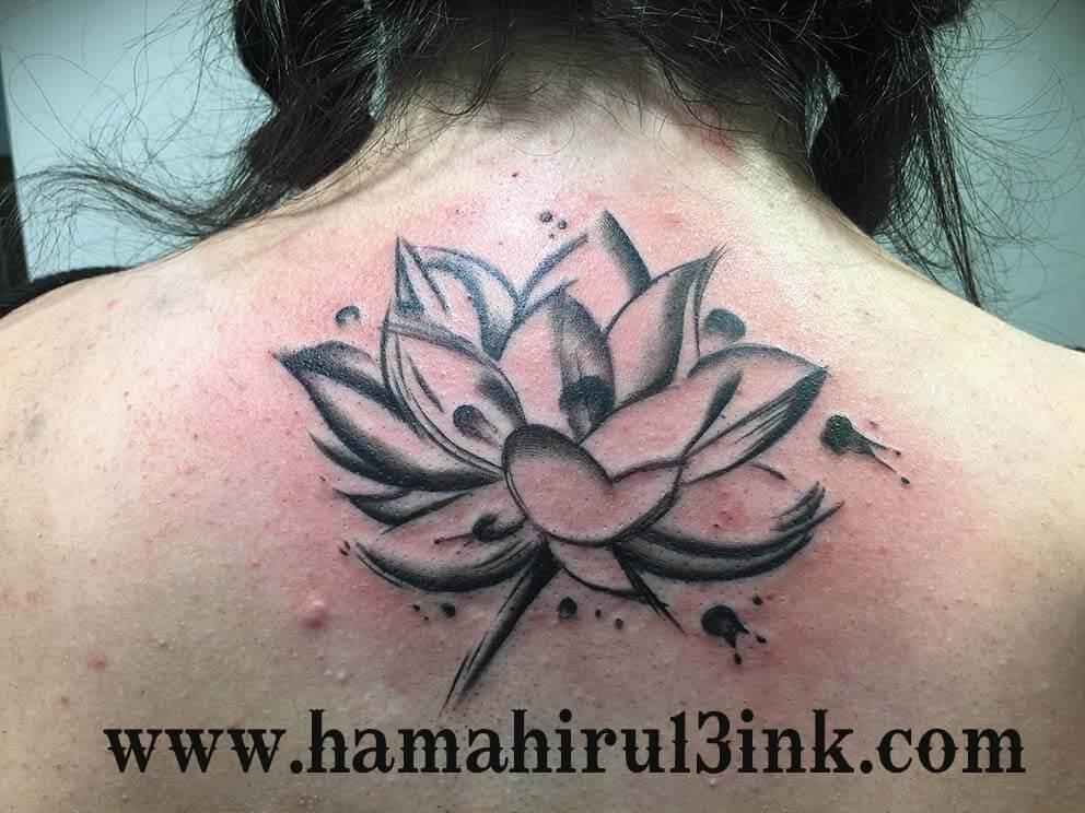 Tatuaje Flor de Loto Hamahiru 13 Ink Tattoo & Piercing