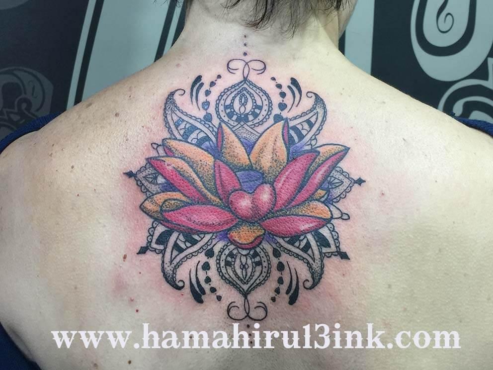 Tatuaje mandala Hamahiru 13 Ink Tattoo & Piercing