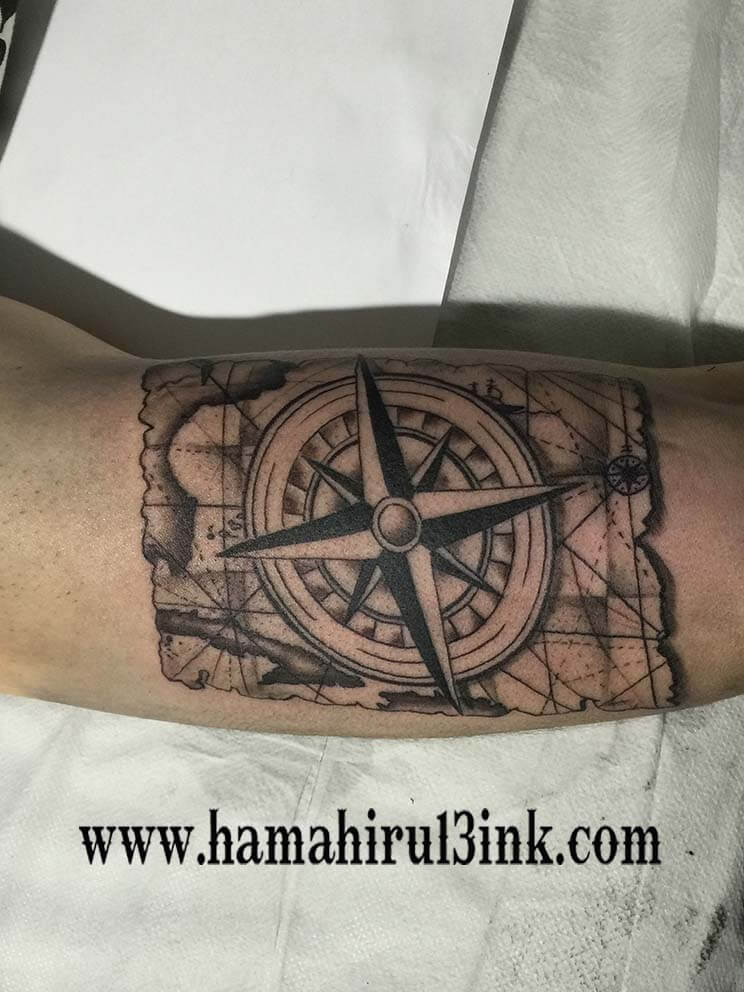 Tatuaje mapa Hamahiru 13 Ink Tattoo & Piercing