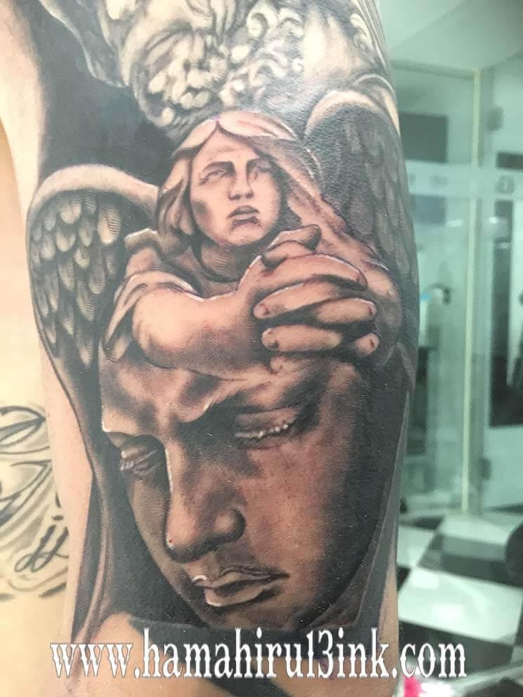Tatuaje renacentista Hamahiru 13 Ink Tattoo & Piercing
