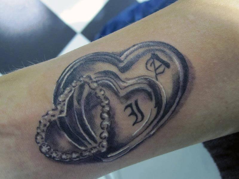Tattoo Corazones