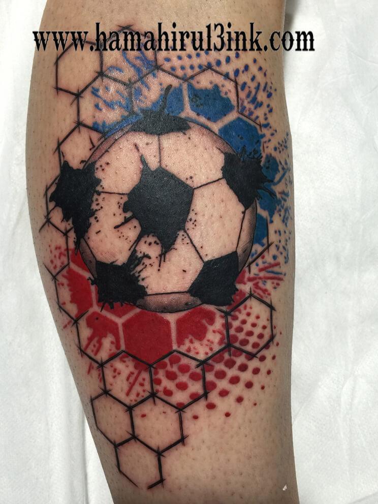 Tatuaje fútbol Hamahiru 13 Ink Tattoo & Piercing.jpg