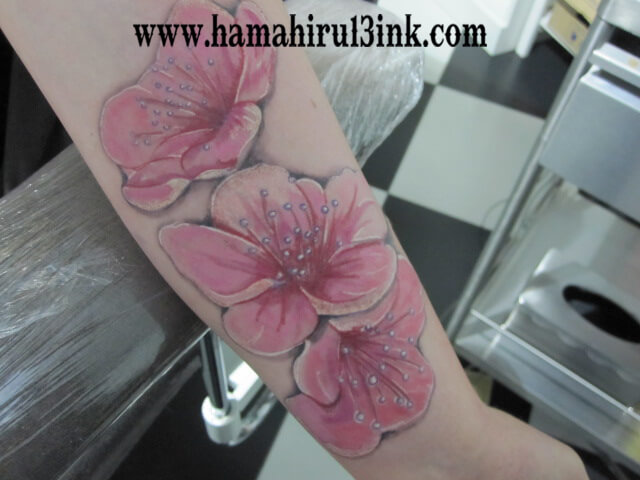 Tatuajes Vitoria Flores Hamahiru 13 Ink Tattoo & Piercing