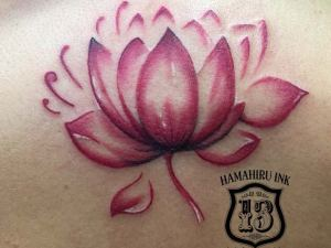 Flor-de-loto-Tattoo-Hamahiru-13-Ink-Tattoo-Piercing
