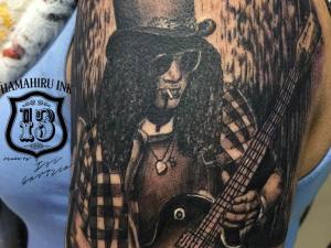 Slash Tattoo Hamahiru 13 Ink Tattoo & Piercing