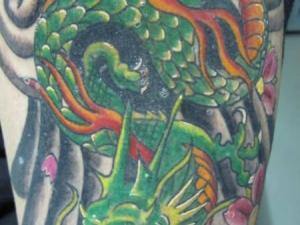 Tatuaje Dragón Japonés Hamahiru 13 Ink Tattoo & Piercing