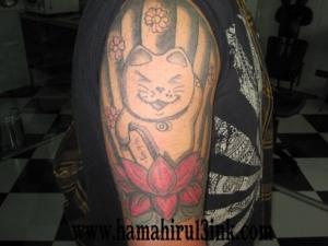 Tatuaje Brazo Color Hamahiru 13 Ink Tattoo & Piercing