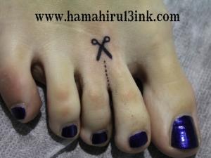 Tatuaje en el pie Hamahiru 13 Ink Tattoo & Piercing