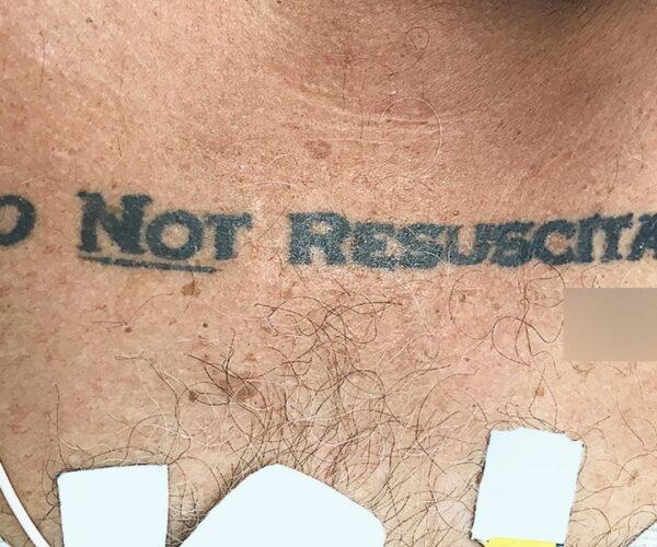 Tatuaje NO RESUCITAR.